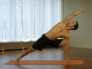 355-5-reasons-why-athletes-should-do-yoga.jpg